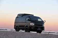 200 HIACE NEEDSBOX WGT Black Edition 出展決定!